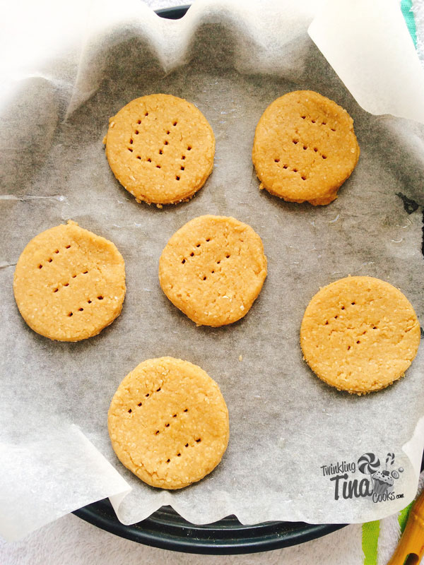 whole-wheat-oatmeal-eggless-cookies-whole-wheat-digestive-biscuit-how-to-make-whole-wheat-oatmeal-eggless-cookies-recipe-3