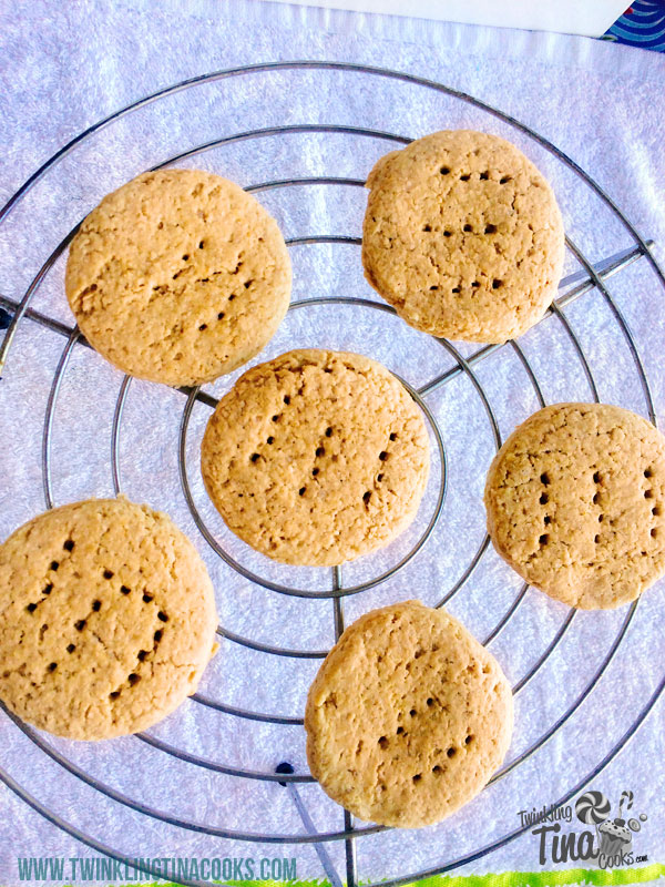 whole-wheat-oatmeal-eggless-cookies-whole-wheat-digestive-biscuit-how-to-make-whole-wheat-oatmeal-eggless-cookies-recipe-4