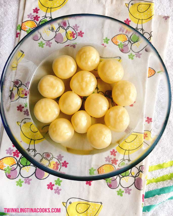 Bengali-rasgulla-recipe-how-to-make-rasgulla