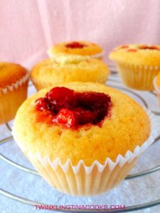 strawberry-center-filled-cupcake-dessert-recipe