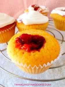 strawberry-center-filled-cupcake-recipe